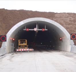 2011-tunel-cholupice